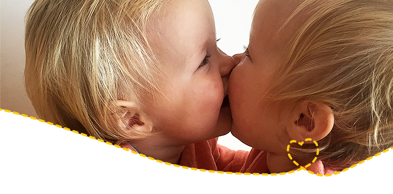 tauschgeschäft: keks gegen kuss